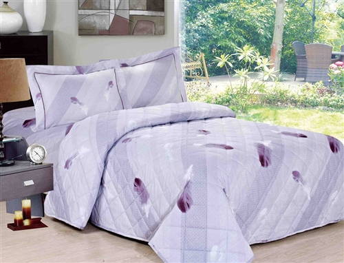 French Feathers Quilt Set